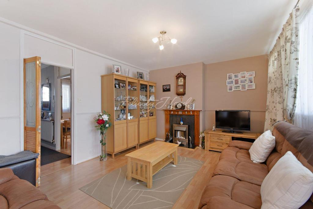 3 Bedrooms Flat for sale in Caithness House, Islington, N1
