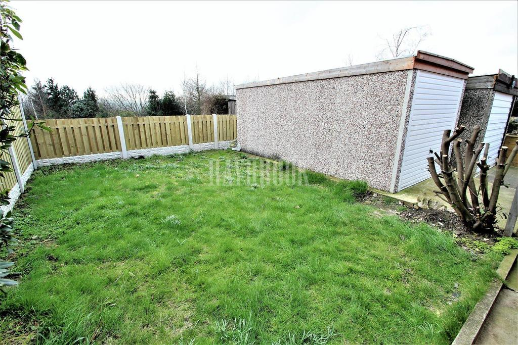 3 Bedrooms Semi Detached House for sale in Upper Wortley Road, Thorpe Hesley