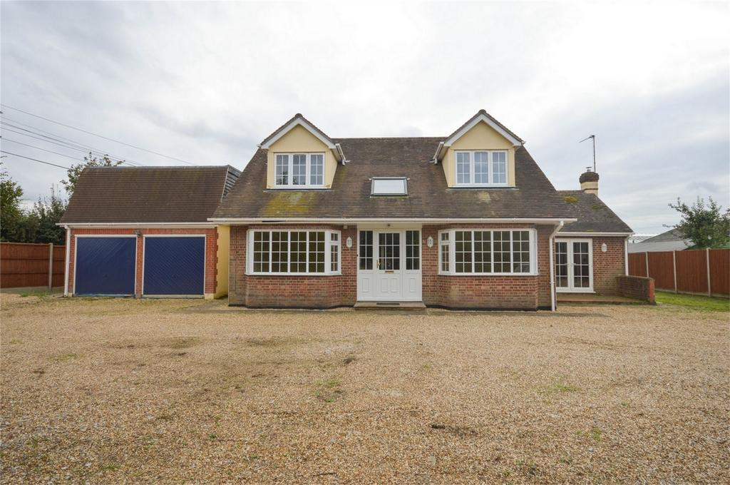 5 Bedrooms Chalet House for rent in Kettle Green Lane, Much Hadham, Hertfordshire