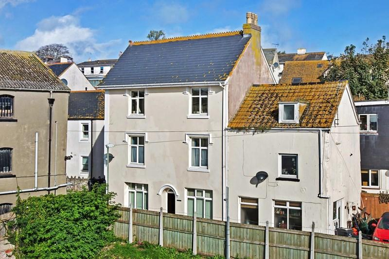3 Bedrooms Terraced House for sale in Willow Street, Teignmouth