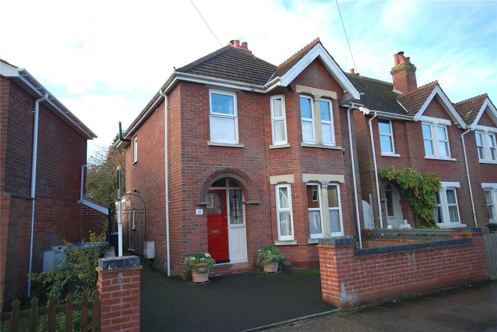 3 Bedrooms Detached House for sale in Burford Avenue, Salisbury, Wiltshire, SP2