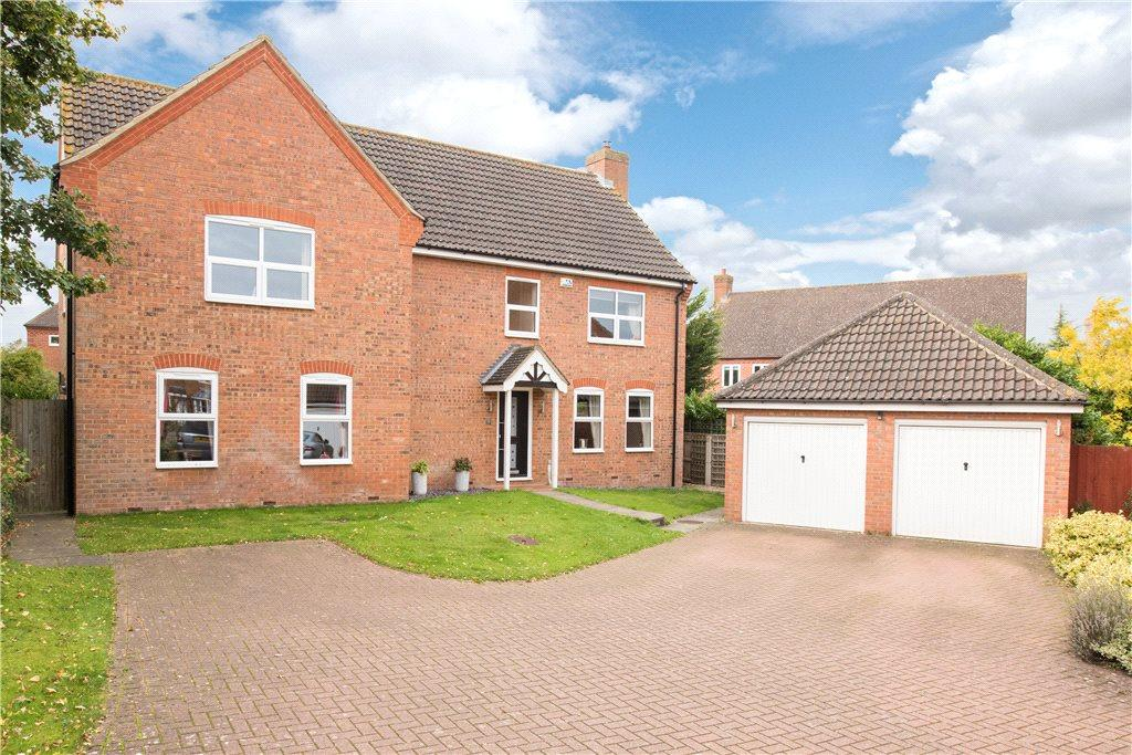 5 Bedrooms Detached House for sale in Lucas Court, Biddenham, Bedfordshire