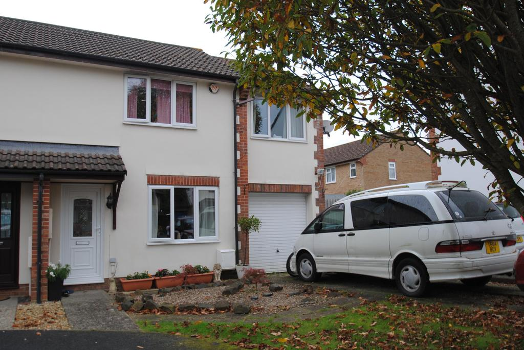 3 Bedrooms Semi Detached House for sale in Rowan Park, Roundswell