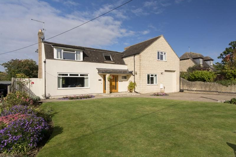 4 Bedrooms Village House for sale in Polebrook, Nr Oundle, PE8