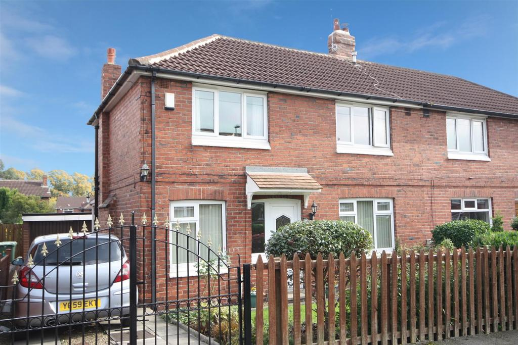 3 Bedrooms Semi Detached House for sale in Burley Wood Lane, Burley