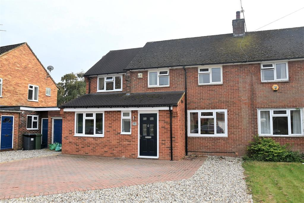 4 Bedrooms Semi Detached House for sale in Franklin Avenue, Tadley, Hampshire, RG26