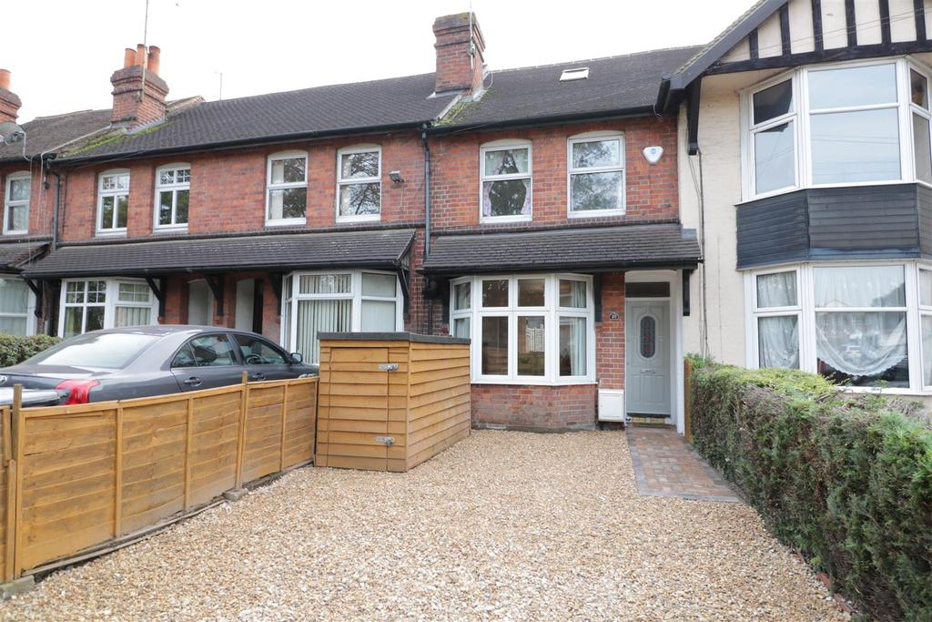 3 Bedrooms Terraced House for sale in Water Road, Reading