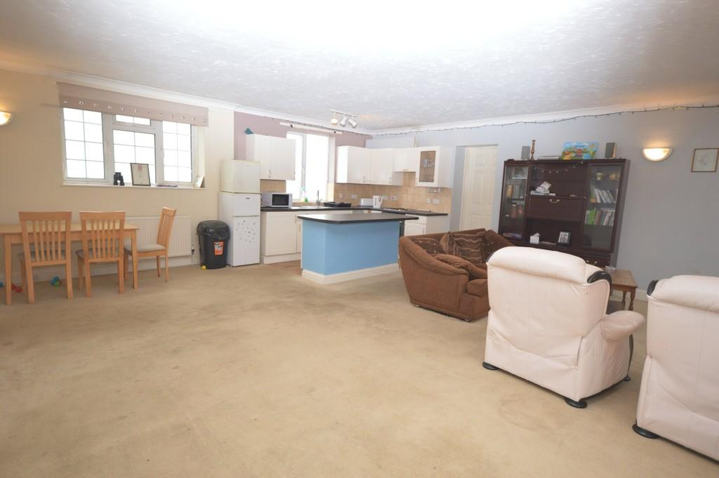 3 Bedrooms Flat for sale in Le Strange Terrace, Hunstanton