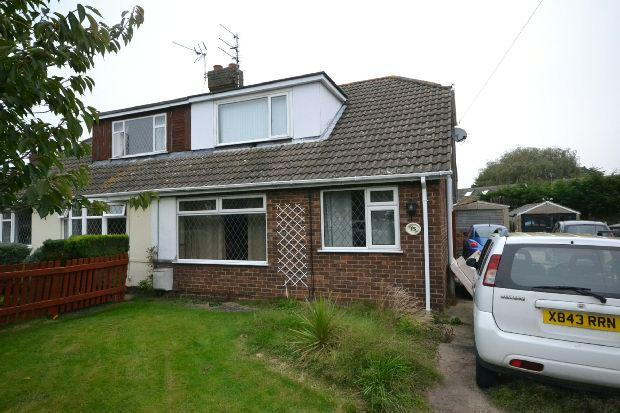 4 Bedrooms Semi Detached Bungalow for sale in Newstead Avenue, Holton-le-clay, Grimsby