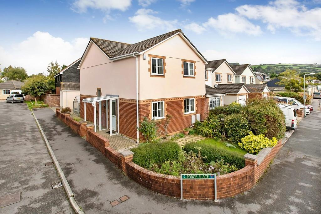 3 Bedrooms Semi Detached House for sale in Avenue Road, Bovey Tracey, Newton Abbot