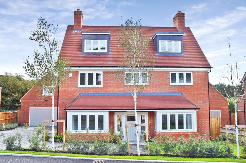 5 Bedrooms Detached House for sale in Brackenwood, Midhurst, West Sussex