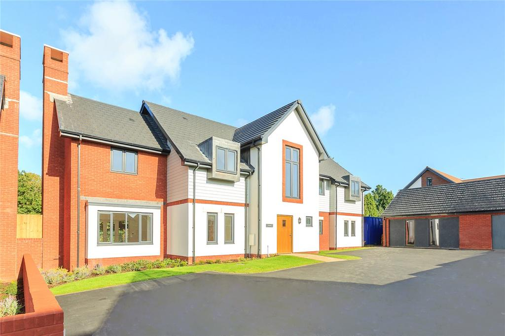 5 Bedrooms Detached House for sale in Ark Royal Avenue, Exeter, Exeter