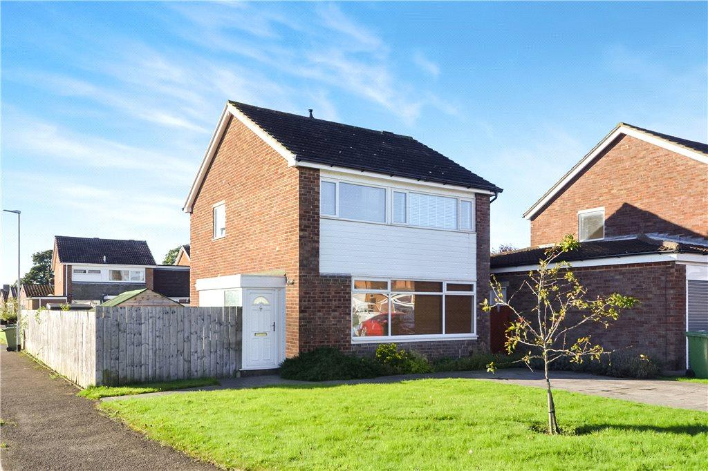 3 Bedrooms Detached House for sale in Grisedale Crescent, Egglescliffe, Stockton-on-Tees