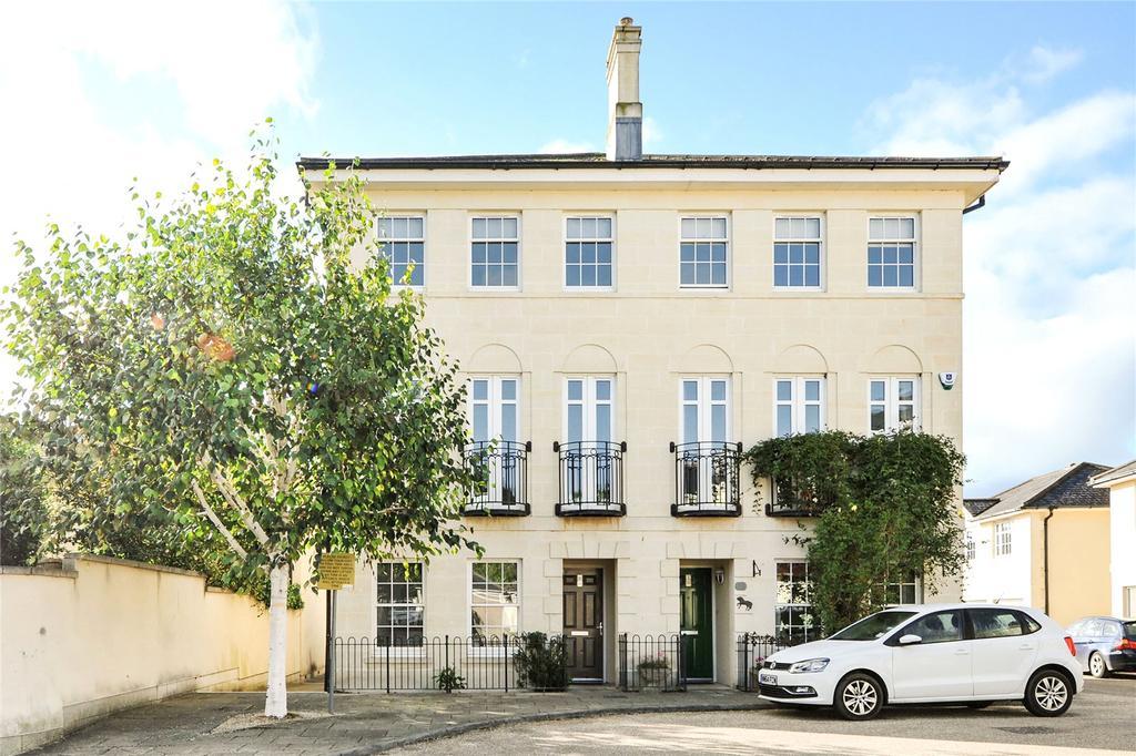 4 Bedrooms Semi Detached House for sale in Horstmann Close, Bath, BA1