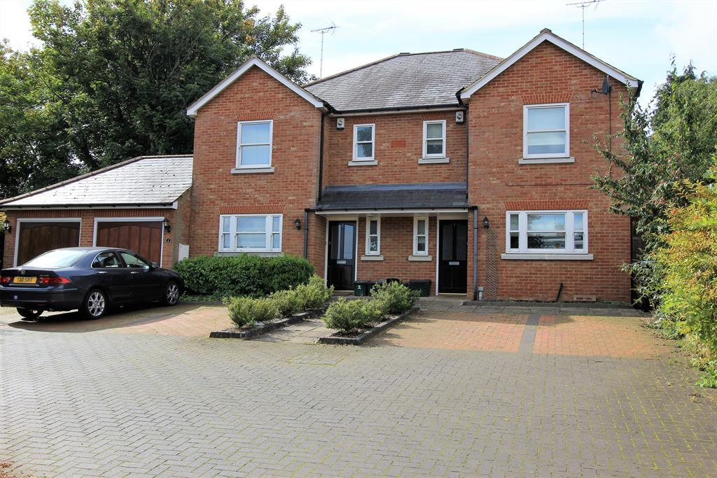 4 Bedrooms Semi Detached House for sale in Church Green Mews, Harpenden , Herts , AL5 2BW