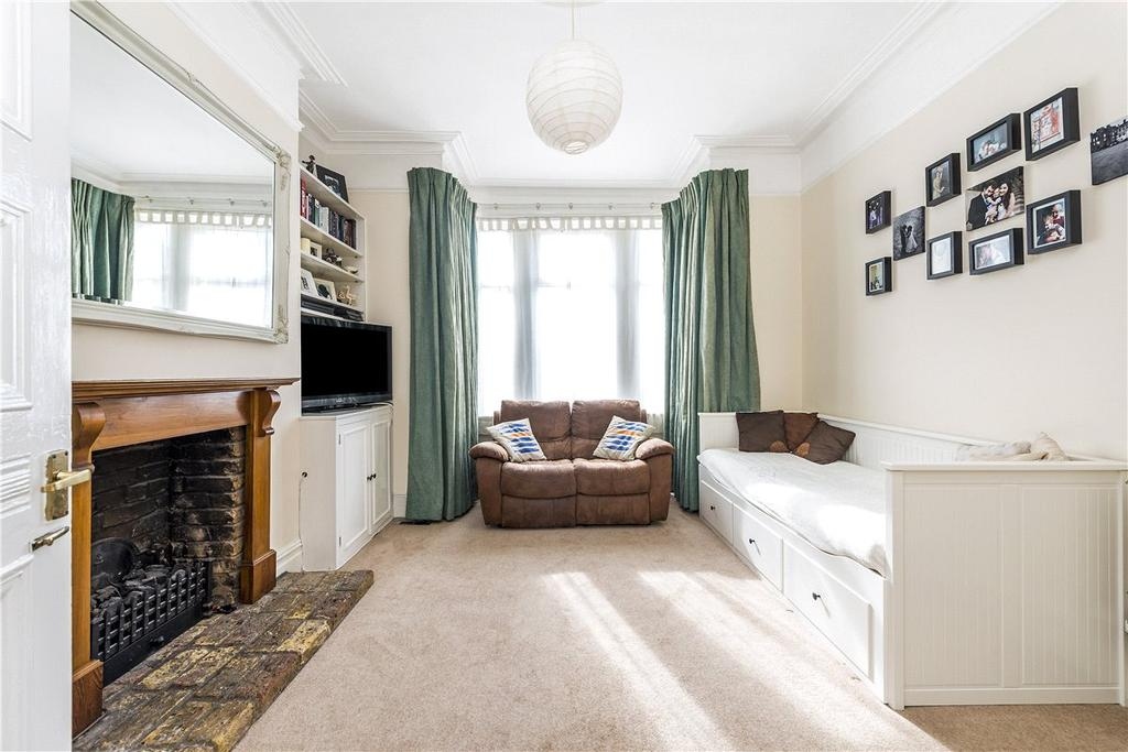 2 Bedrooms Maisonette Flat for sale in Trinity Road, London, SW17