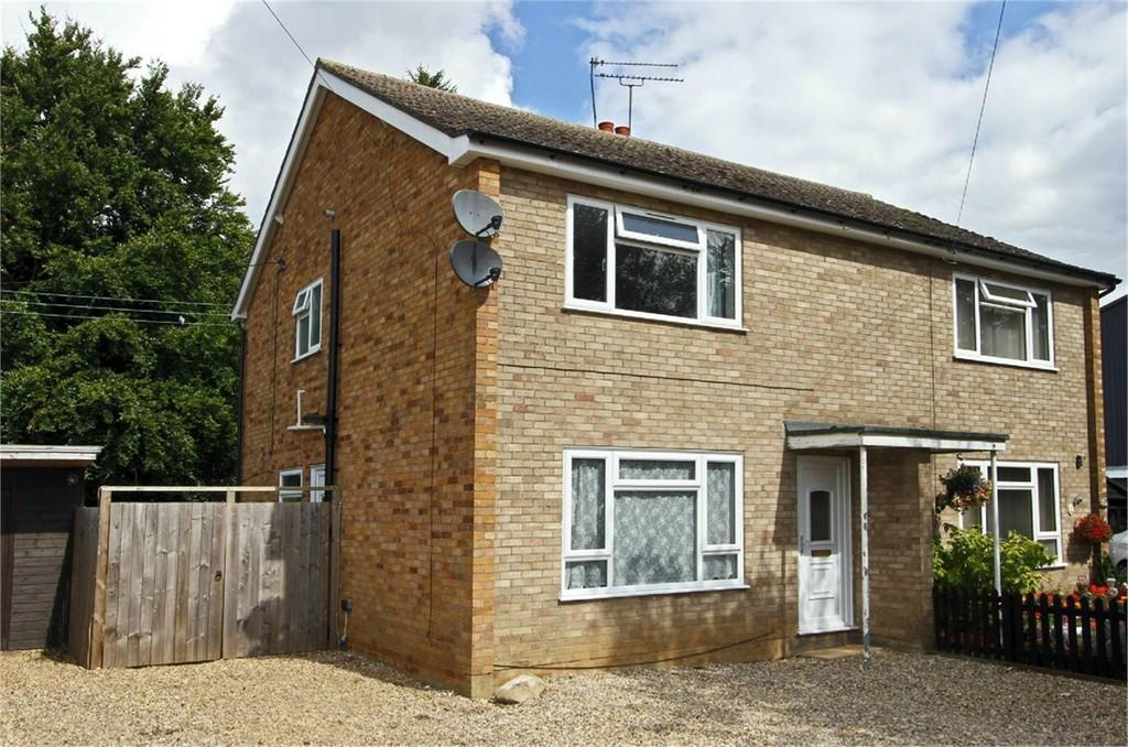 3 Bedrooms Semi Detached House for sale in The Street, Gooderstone
