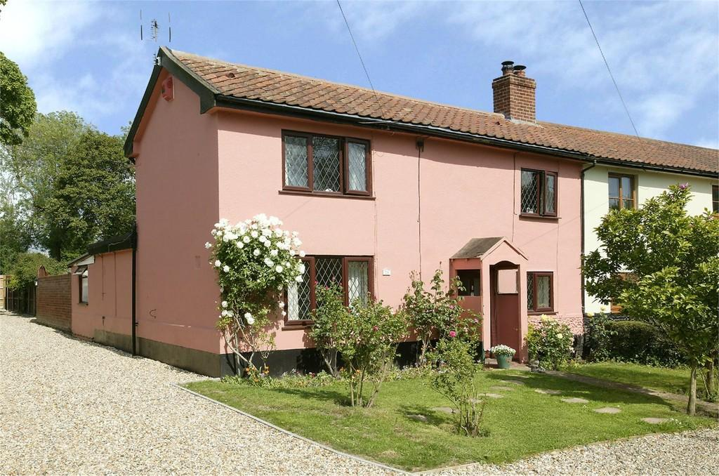 3 Bedrooms Cottage House for sale in Long Street, Great Ellingham