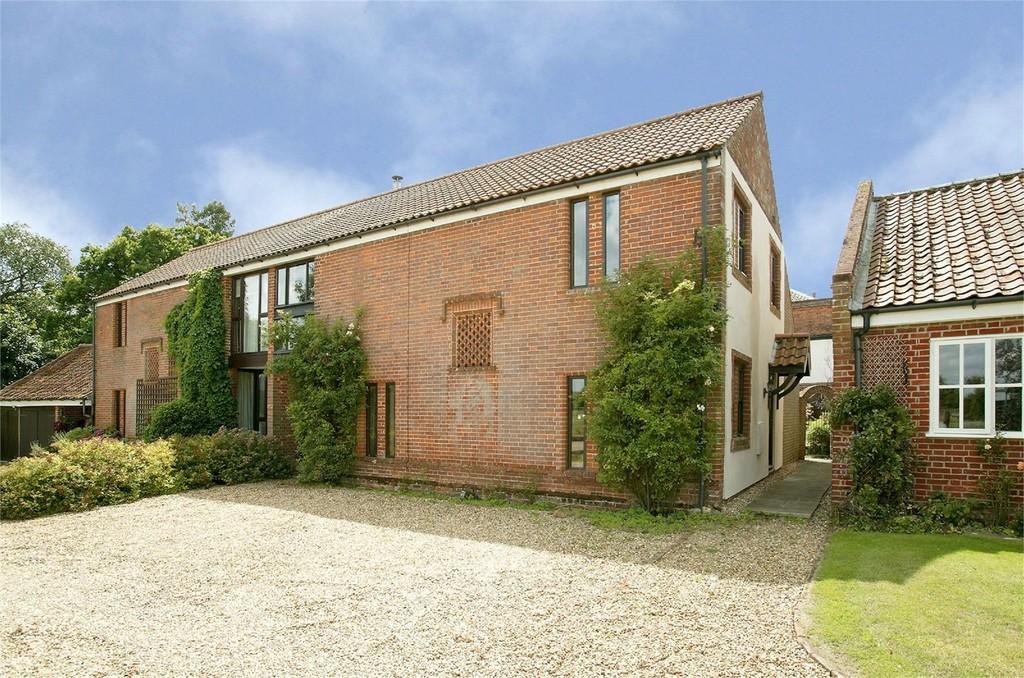 3 Bedrooms Semi Detached House for sale in Tanning Lane, New Buckenham