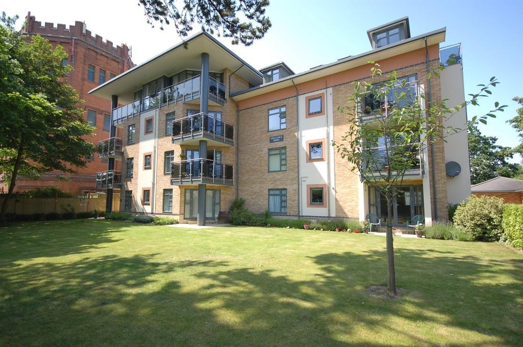 3 Bedrooms Apartment Flat for sale in Swallows Ridge, Osborne Road