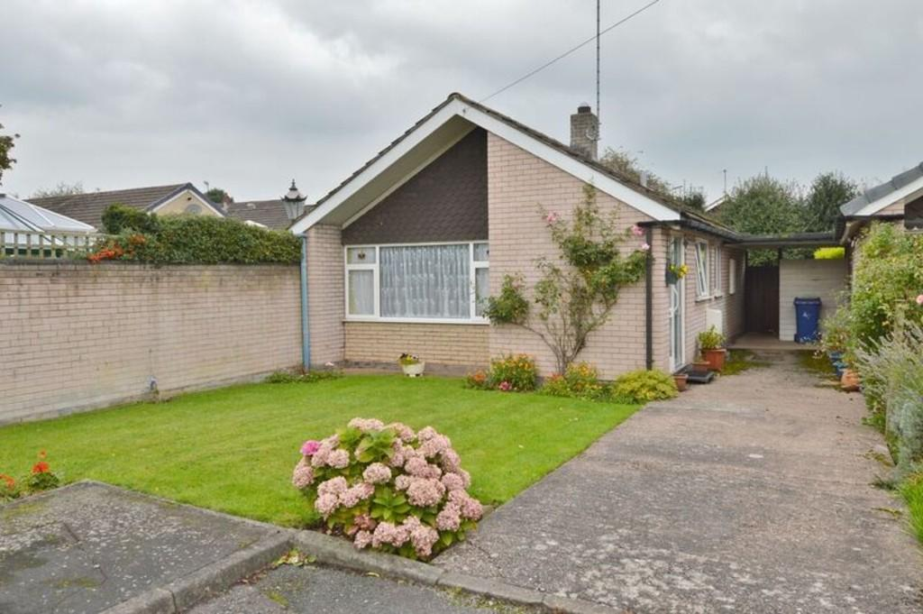 2 Bedrooms Detached Bungalow for sale in Bramble Way, Etchinghill
