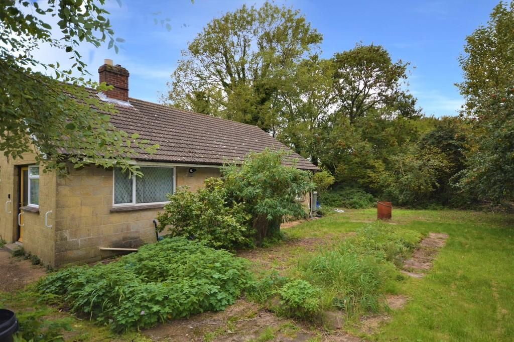 2 Bedrooms Detached Bungalow for sale in St. Johns Road, Wroxall