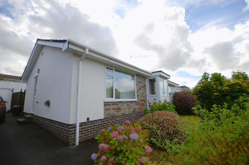 3 Bedrooms Bungalow for sale in No forward chain! Well worth viewing to appreciate the great location.