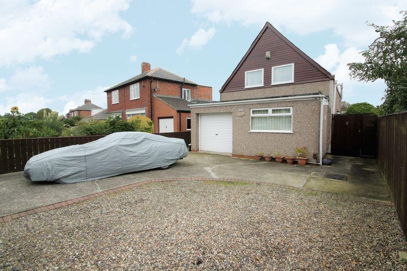 3 Bedrooms Detached House for sale in The Avenue, Fairfield, Stockton, TS19 7EP