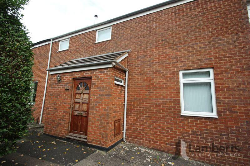 3 Bedrooms Terraced House for sale in Eathorpe Close, Redditch