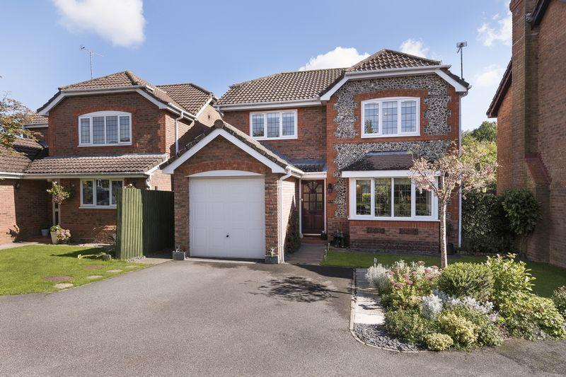 4 Bedrooms Detached House for sale in Mallard Drive, Uckfield, East Sussex