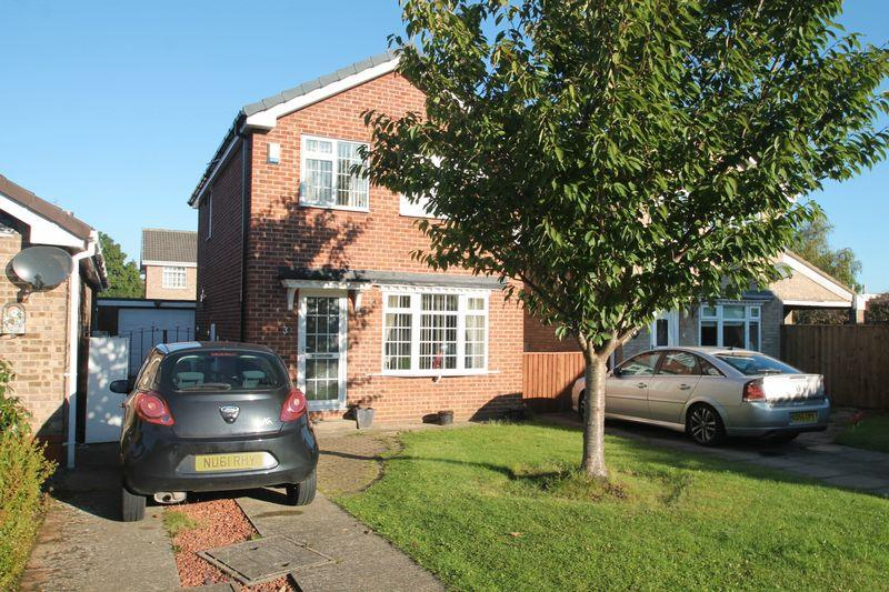3 Bedrooms Detached House for sale in Shotley Close, Billingham