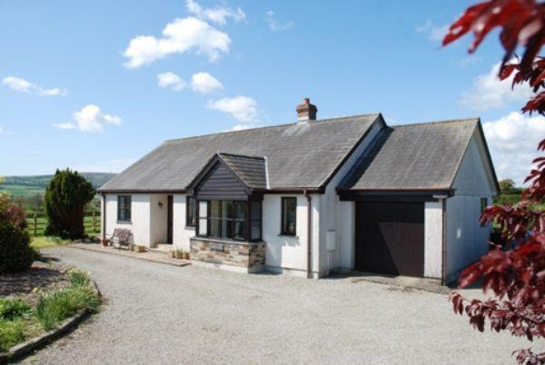 3 Bedrooms Detached Bungalow for sale in Tutwell, Callington