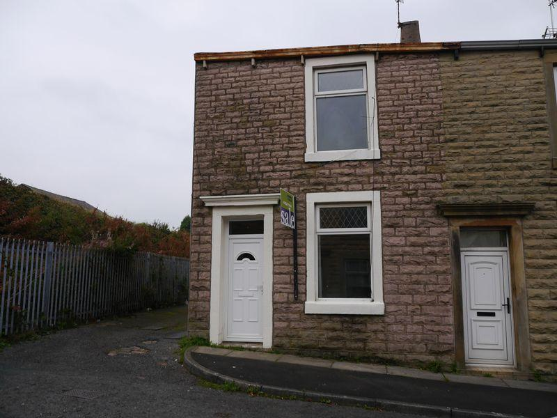 2 Bedrooms Terraced House for sale in Hood Street, Accrington.