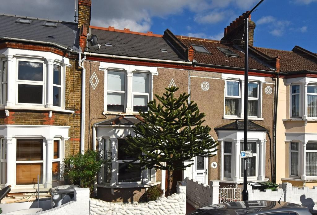 3 Bedrooms Terraced House for sale in Silvermere Road SE6