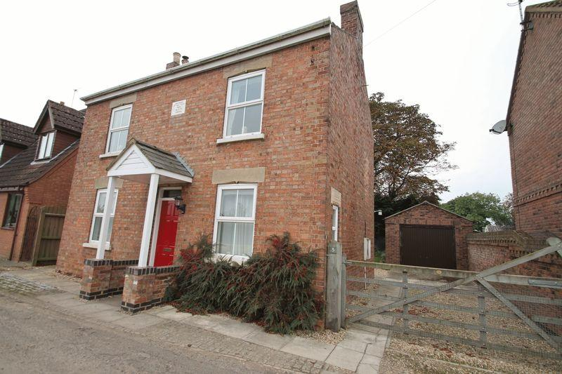 3 Bedrooms Detached House for sale in Woodgate Road, Moulton Chapel