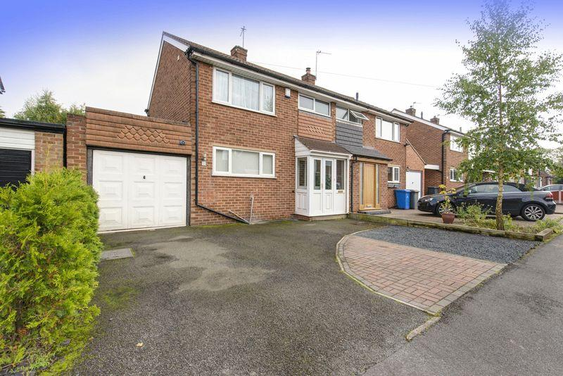 3 Bedrooms Semi Detached House for sale in THORPE DRIVE, MICKLEOVER