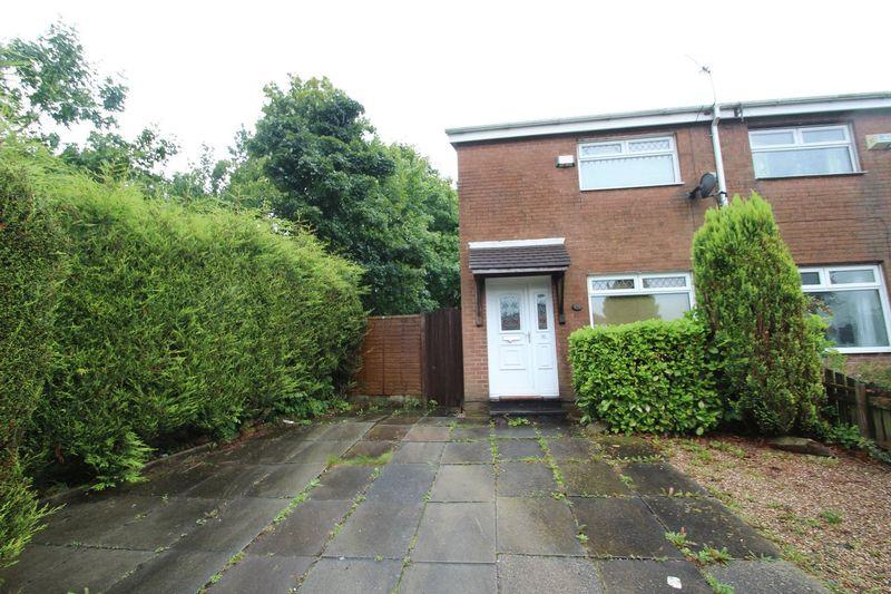 2 Bedrooms Town House for sale in Dicken Green Lane, Rochdale OL11 1TN