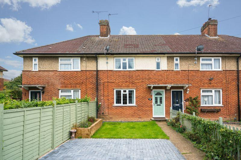 3 Bedrooms Terraced House for sale in Lybury Lane, Redbourn