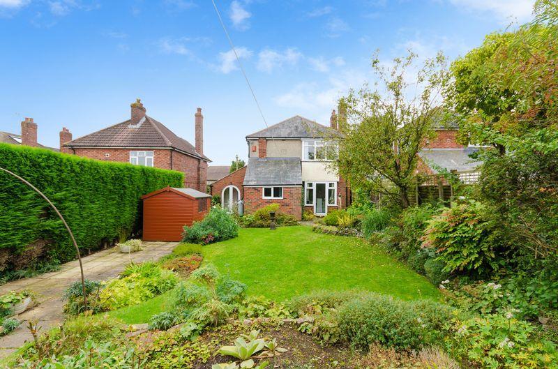 3 Bedrooms Detached House for sale in 64 Washdyke Lane, Nettleham