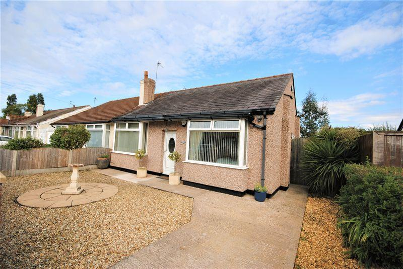 3 Bedrooms Semi Detached Bungalow for sale in Briscoe Drive, Moreton