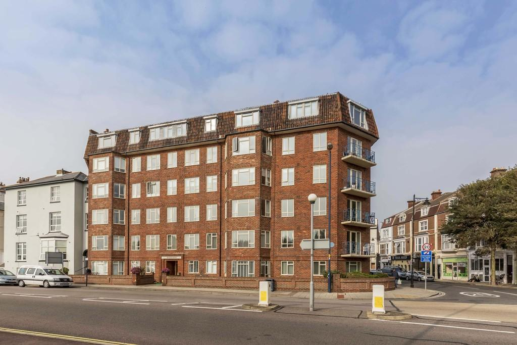 3 Bedrooms Apartment Flat for sale in Clarence Parade, Southsea
