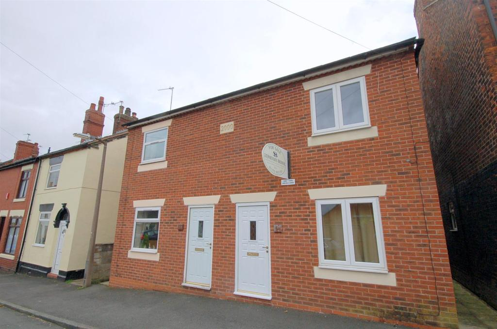 3 Bedrooms Semi Detached House for sale in Wood Street, Bignall End