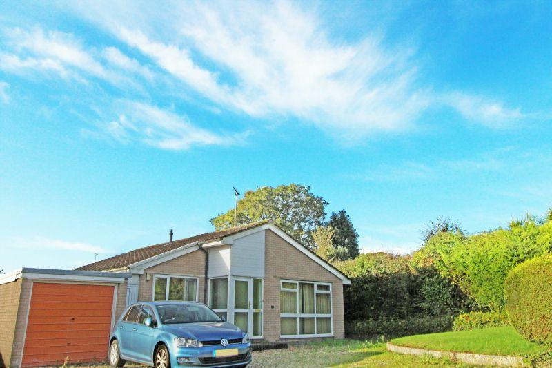 2 Bedrooms Detached Bungalow for sale in Glebelands, Newton Poppleford