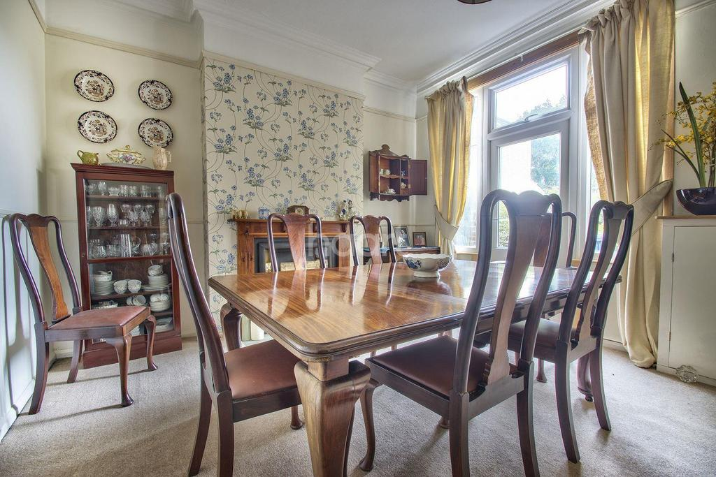4 Bedrooms Semi Detached House for sale in Lynn Road, Wisbech