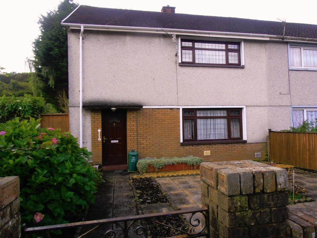 3 Bedrooms Semi Detached House for sale in The Close, Aberdare