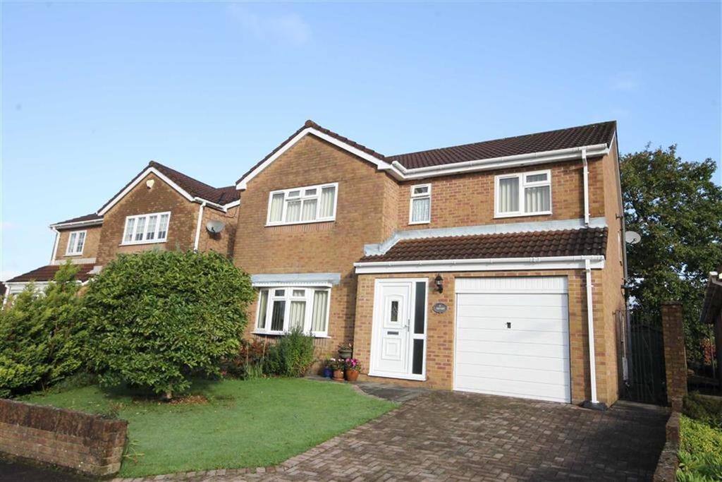 4 Bedrooms Detached House for sale in The Oaks, Quakers Yard, CF46