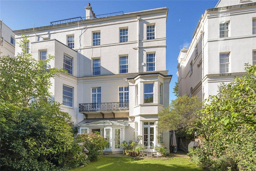 4 Bedrooms Maisonette Flat for sale in Warwick Avenue, London, W9