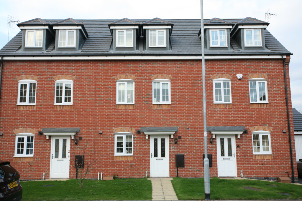 4 Bedrooms Mews House for sale in 8 Colliers Way, Huntington, WS12 4UD