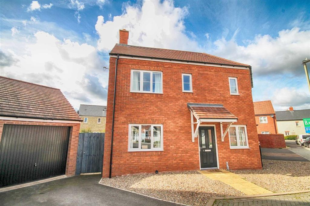 3 Bedrooms Semi Detached House for sale in Mystic Corner, Badgeworth, Cheltenham, GL51
