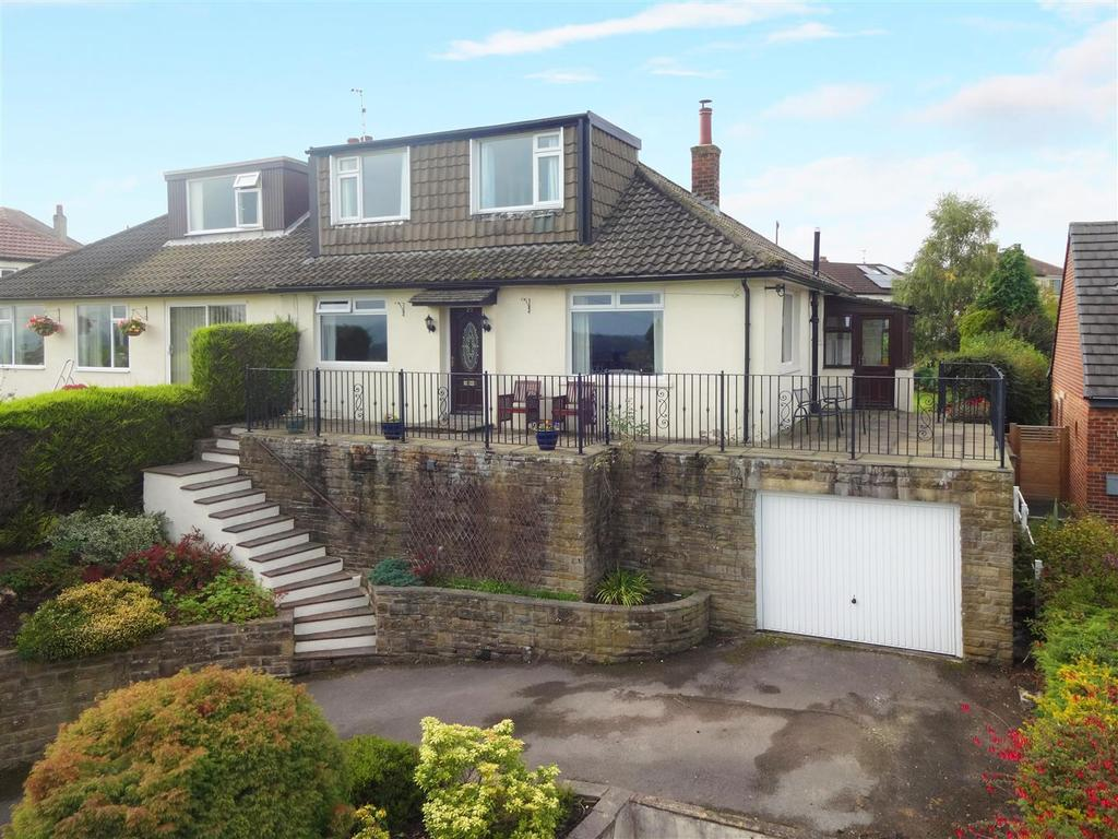 4 Bedrooms Semi Detached House for sale in Old Hollings Hill, Guiseley, Leeds
